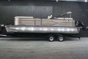 Used Manitou Aurora 23 Deluxe Tritoon Pontoon Boat For Sale