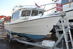 Used Sea Sport 2400 XL Sports Fishing Boat For Sale
