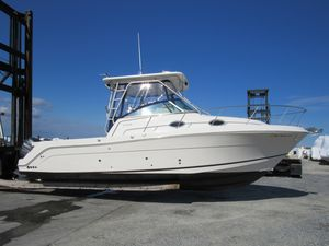 Used Robalo R305 Walkaround Center Console Fishing Boat For Sale