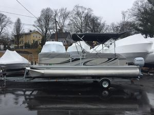 Used Qwest 822 Pontoon Boat For Sale