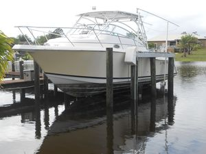 Used Pro-Line 32 Express Cruiser Boat For Sale