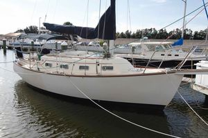 Used Island Packet 27 Cruiser Sailboat For Sale