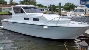 Used Chris-Craft Catalina 280 Express Cruiser Boat For Sale