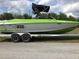 Used Axis Ski and Wakeboard Boat Ski and Wakeboard Boat For Sale