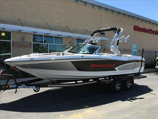 New Mastercraft XSeries X30 Ski and Wakeboard Boat For Sale