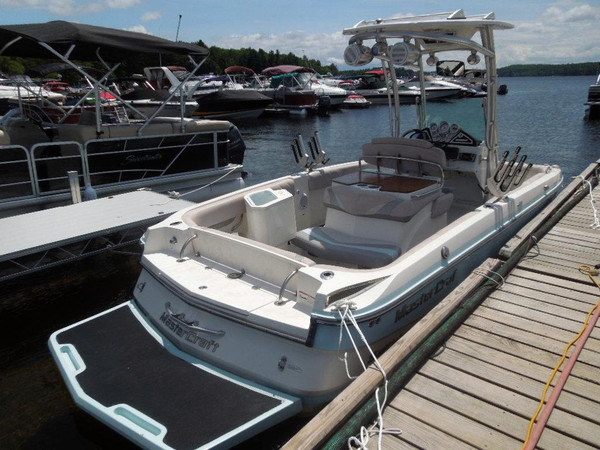 Used Mastercraft CSX 220 Center Console Fishing Boat For Sale