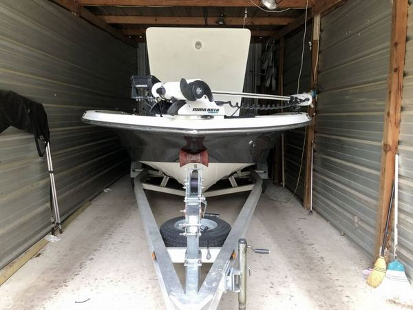 Used Epic 22 SC Bay Boat For Sale