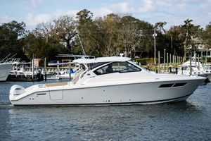 New Pursuit DC 365DC 365 Dual Console Boat For Sale