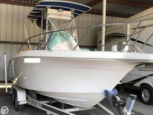 Used Wellcraft 220 CCF Center Console Fishing Boat For Sale