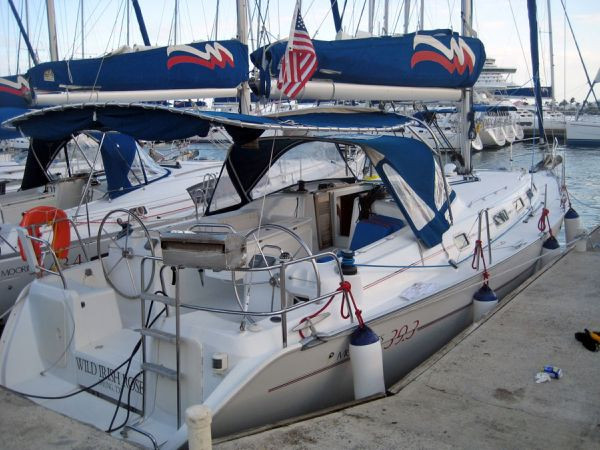 Used Beneteau Cyclades 39 Racer and Cruiser Sailboat For Sale