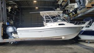 Used Grady-White Gulfstream 232 Walkaround Boat For Sale