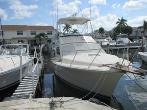 Used Pacemaker 34 Convertible Flybridge Boat For Sale