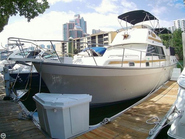 Used Mainship 36 Double Cabin Trawler Boat For Sale
