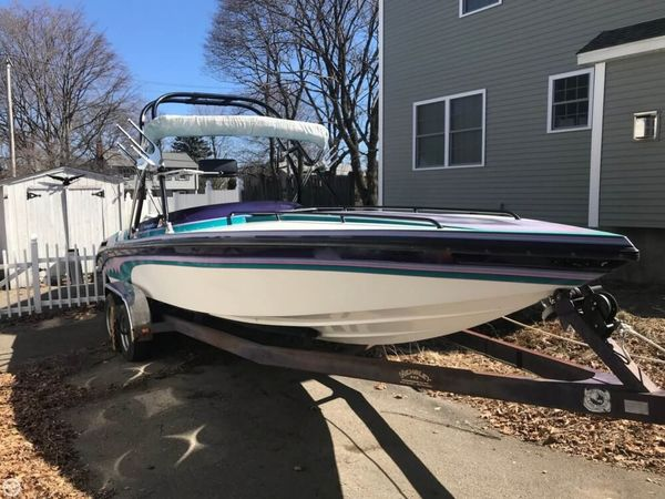 Used Commander Signature 24 High Performance Boat For Sale