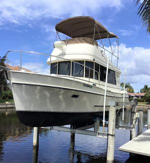 Used Camano Troll Motor Yacht For Sale