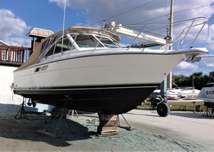 Used Tiara Coronet Express Cruiser Boat For Sale