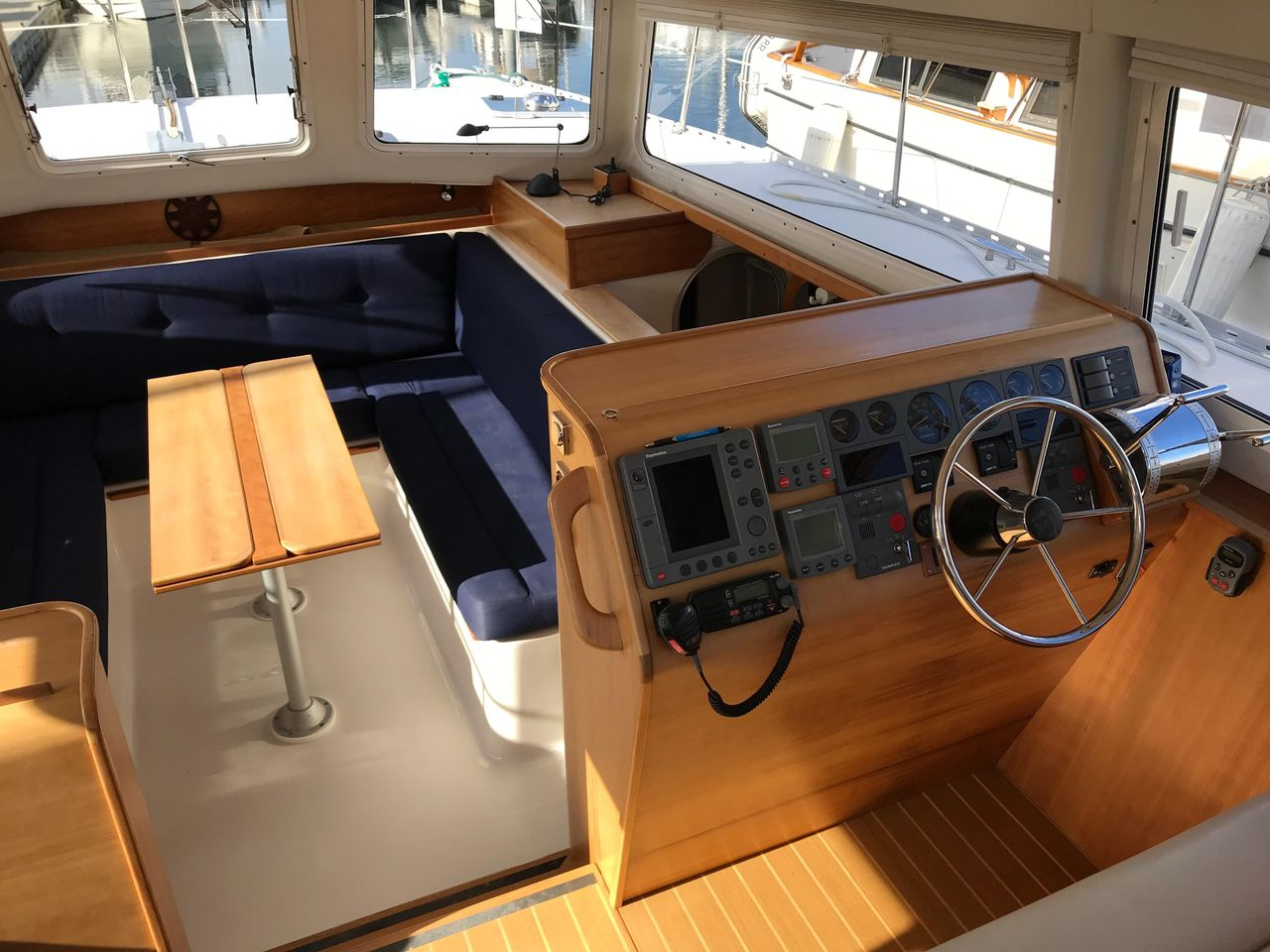2003 Used Pdq MV34 Power Catamaran Power Catamaran Boat For
