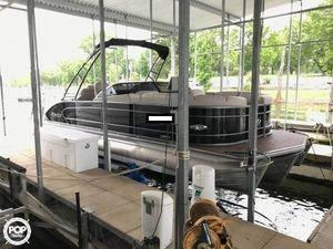 Used Manitou Legacy 25 SHP Pontoon Boat For Sale