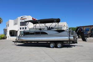 Used Manitou 25 SES Galley25 SES Galley Pontoon Boat For Sale