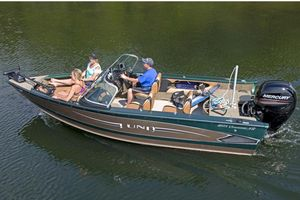 Used Lund 1875 Crossover XS High Performance Boat For Sale