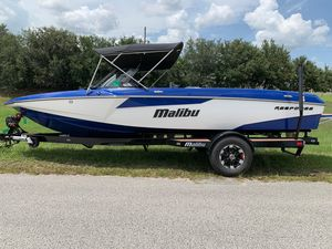 Used Malibu TXiTXi Ski and Wakeboard Boat For Sale