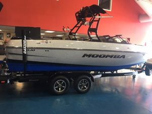 New Moomba MojoMojo Ski and Wakeboard Boat For Sale