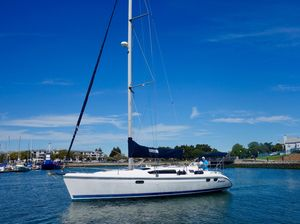 Used Hunter 376 Daysailer Sailboat For Sale