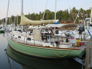 Used Morris Ocean Series 34 Cruiser Sailboat For Sale