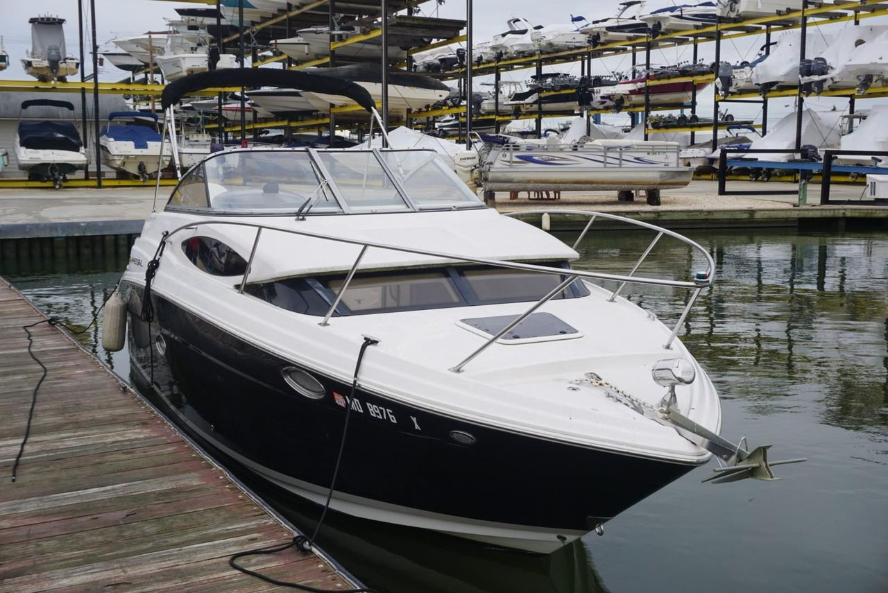 2007 Used Regal 2565 Window Express Cruiser Boat For Sale - $33,500