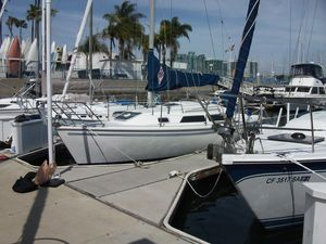 Used Catalina 270 Daysailer Sailboat For Sale