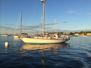 Used Hinckley Sou'wester Cruiser Sailboat For Sale
