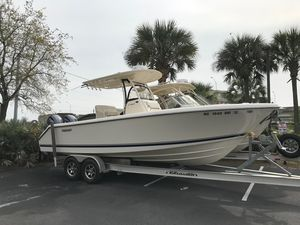 Used Pursuit 260 CC Center Console Fishing Boat For Sale