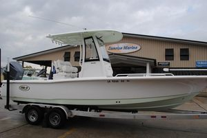 Used Sea Hunt BX 25 FS Center Console Fishing Boat For Sale