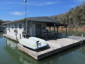 Used Houseboat 13 X 27 Floating Cabin 350sqft House Boat For Sale