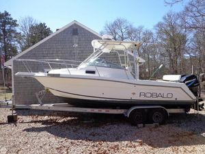 Used Robalo 2440 Walkaround Fishing Boat For Sale