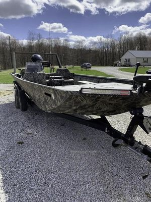 Used Lowe Roughneck RX2070 SC Aluminum Fishing Boat For Sale