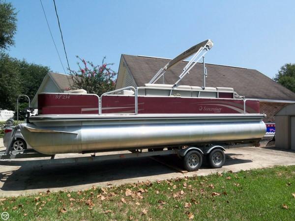 Used Lowe Suncruiser SF234 Pontoon Boat For Sale