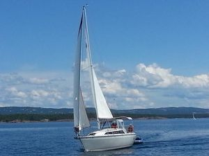 Used O'day 272 LE Sloop Sailboat For Sale