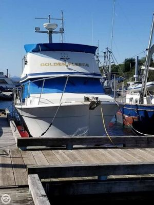 Used Tollycraft 34 Sedan Sports Fishing Boat For Sale