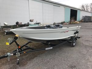 New Alumacraft Escape 145 Tiller Sports Fishing Boat For Sale