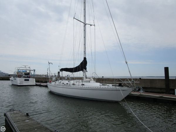 Used Hylas 47 Racer and Cruiser Sailboat For Sale