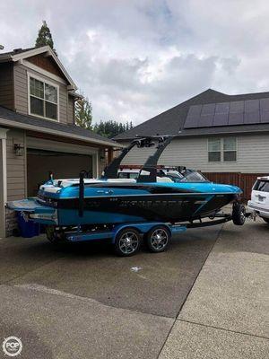 Used Malibu 22VLX Ski and Wakeboard Boat For Sale