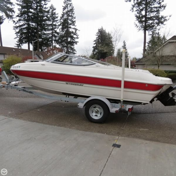 Used Stingray 188LE Bowrider Boat For Sale