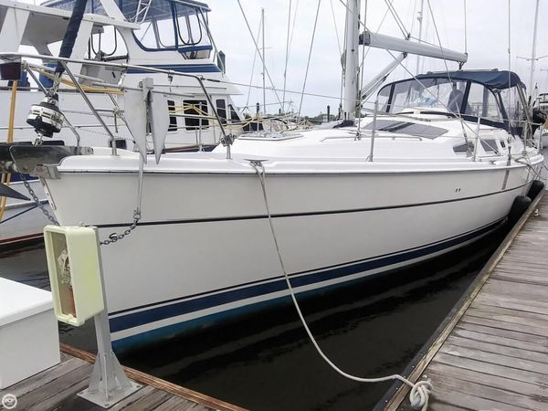 Used Hunter 426 AC Racer and Cruiser Sailboat For Sale