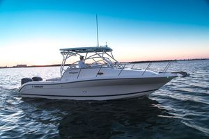 New Century 30 Express Cruiser Boat For Sale