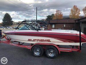 Used Ski Supreme 21 Medalist Ski and Wakeboard Boat For Sale
