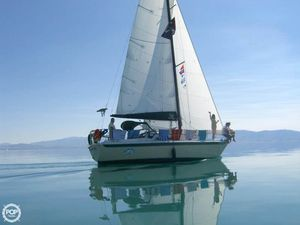 Used Ericson Yachts 30 Plus Sloop Sailboat For Sale