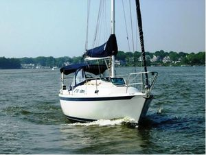 Used Ericson 28 Racer and Cruiser Sailboat For Sale