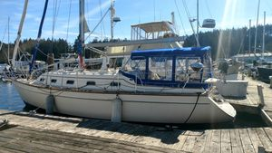 Used Island Packet IP 370 Cruiser Sailboat For Sale