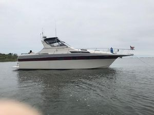 Used Cruisers 336 Ultra Vee Cruiser Boat For Sale